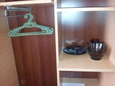 Шкаф и посуда